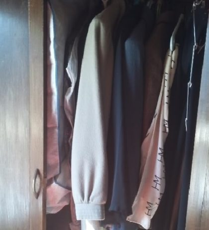世田谷区の遺品整理、箪笥内の洋服